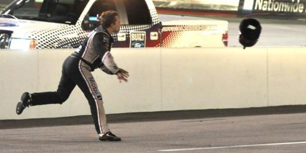 NASCAR CUP: Tony Stewart Throws His Helmet At Matt Kenseth During Bristol Night Race (VIDEO)