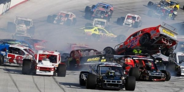 NASCAR WHELEN MODIFIED: Ryan Newman Spins And Causes 15 Car Wreck At Bristol (VIDEO)