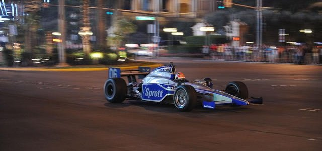 INDYCAR: Andretti Autosport Signs Hinchcliffe to 2012 IndyCar Lineup