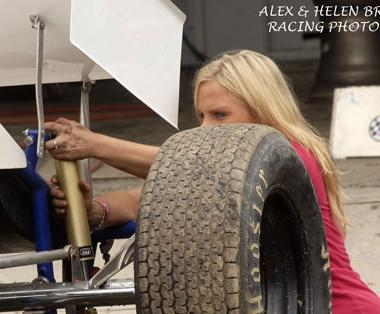 Jessica Zemken Signed to Tony Stewart Racing WoO Dirt Sprint Car Team