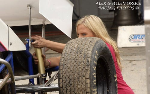 Jessica Zemken Signed to Tony Stewart Racing WoO Dirt Sprint Car Team