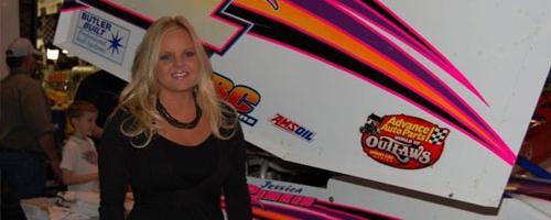 DIRT SPRINT CAR: Tony Stewart Racing Adds Driver Jessica Zemken (PHOTOS)