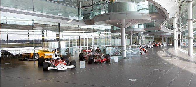 F1: McLaren Factory Tour & Moving A Formula1 Team Around the World (PHOTOS + VIDEOS)