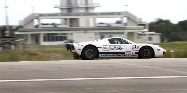 INDUSTRY: Ford GT Sets 283 MPH Record On NASA Runway (PHOTOS)