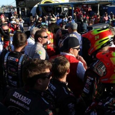 Jeff Gordon Wrecks Clint Bowyer At Phoenix (NASCAR Cup Series)