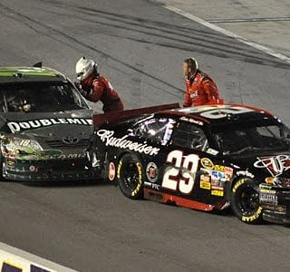 Kevin Harvicks Empty Car Pushed By Kyle Busch At Darlington (NASCAR Cup Series)
