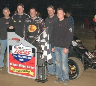Tony Stewart Wins Battle Of The Center (Powri Dirt Midget)