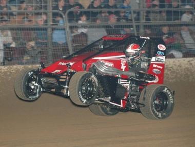 Tony Stewart Wins Battle Of The Center (Powri Dirt Midget)