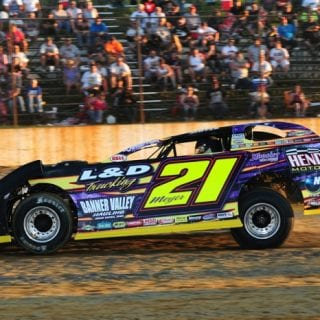 Dirt Late Model Billy Moyer Starts 2013 Season With