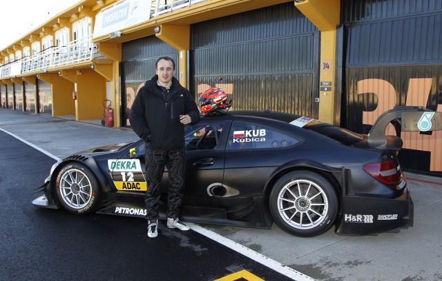 Robert Kubica Testing Mercedes DTM Car At Valencia (Touring Car)