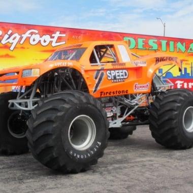 2013 Robby Gordon Orange Bigfoot 19 Truck (Off Road)