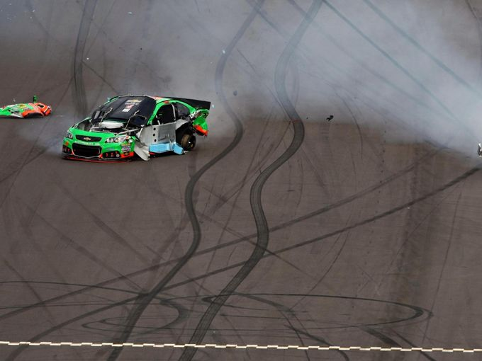 Danica Patrick - Phoenix International Raceway Crash (NASCAR Cup Series)