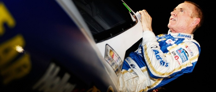 NASCAR CUP: Mark Martin Filling In For Injured Denny Hamlin