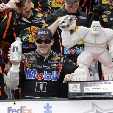 Tony Stewart Dover Internetional Speedway Pictures (NASCAR)