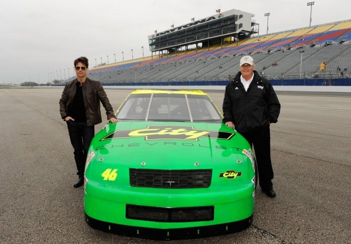 Tom Cruise Standing By Rick Hendrick ( NASCAR )