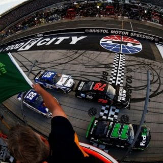 Bristol Night Race Pictures - Green Flag ( NASCAR Cup Series )