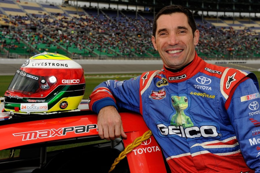 Tony Stewart Replacement Max Papis ( NASCAR CUP SERIES )
