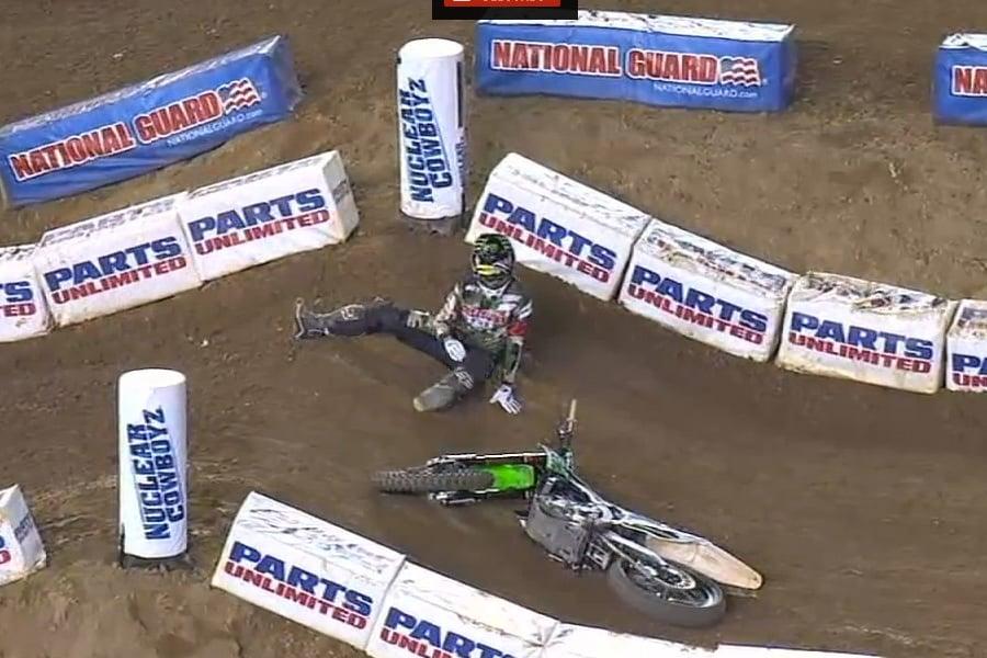 Chad Reed Crash Video - San Diego ( Supercross )