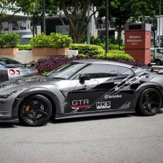 Sliver Black Nissan GT-R Photos