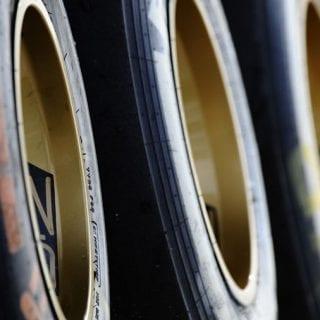 New f1 Wheels - 18 inch Pirelli f1 Tire Test Photos