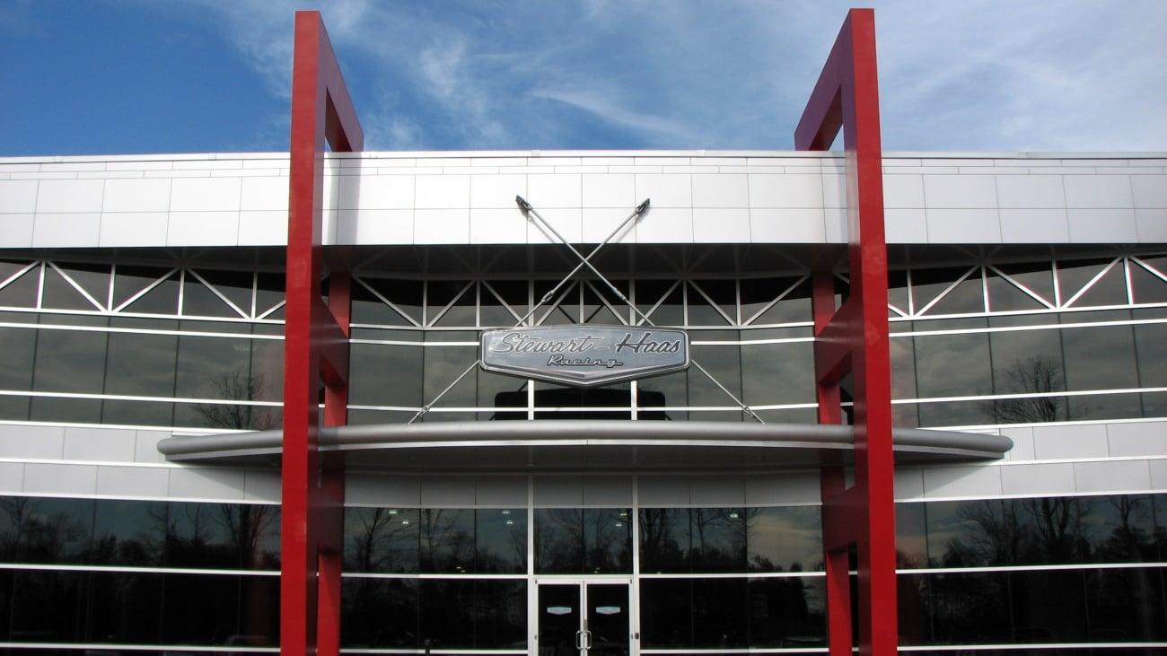 Stewart-Haas Racing Shop ( NASCAR Race Team Alliance )