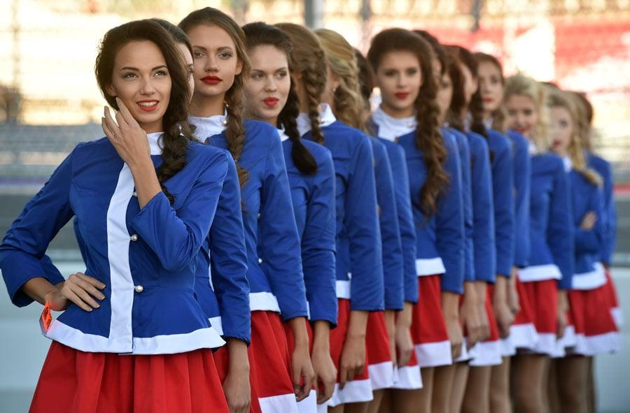 https://cdn.racingnews.co/wp-content/uploads/2014/10/Russian-Grid-Girls-Sochi-Formula1-Event.jpg