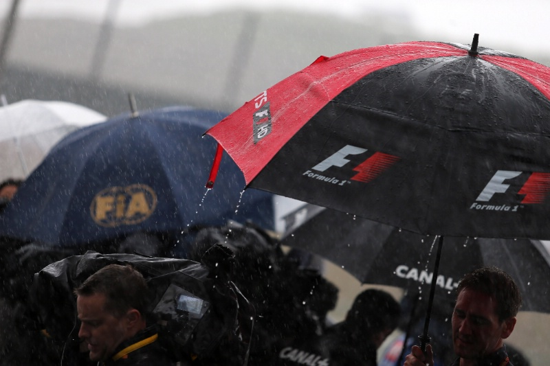 Typhoon Threatens F1 Japanese Grand Prix
