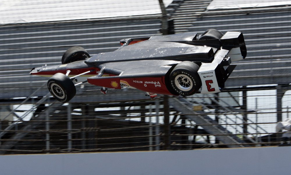 Helio Castroneves Crash Video
