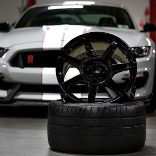 Ford GT350R Carbon Fiber Wheels Photos