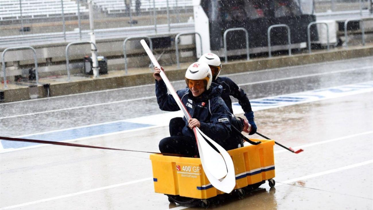 Sauber Row Boat USGP Rain Delay