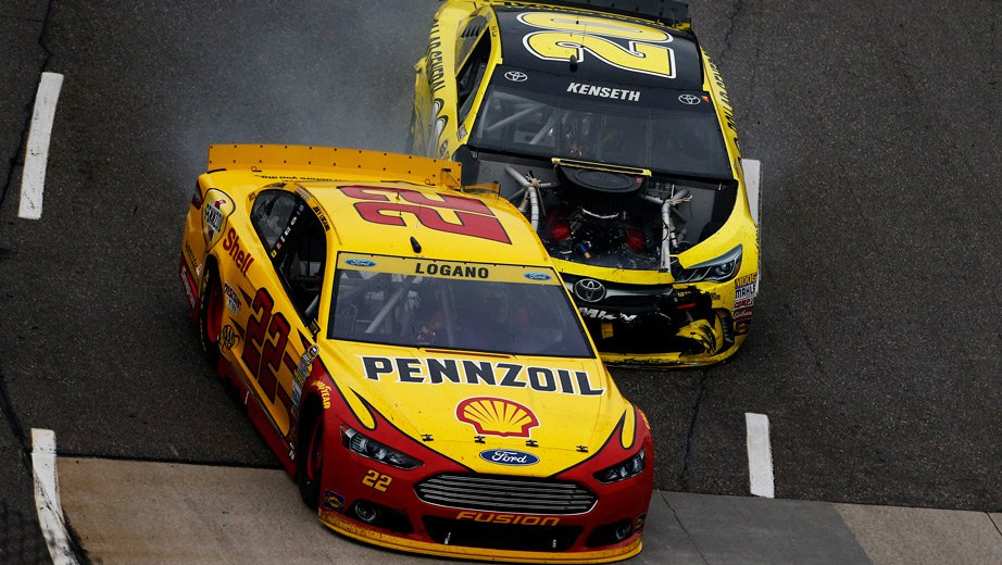 NASCAR Suspends Matt Kenseth for Crashing Joey Logano at Martinsville Speedway