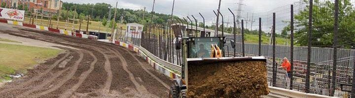 Rockford Speedway Covered in Dirt