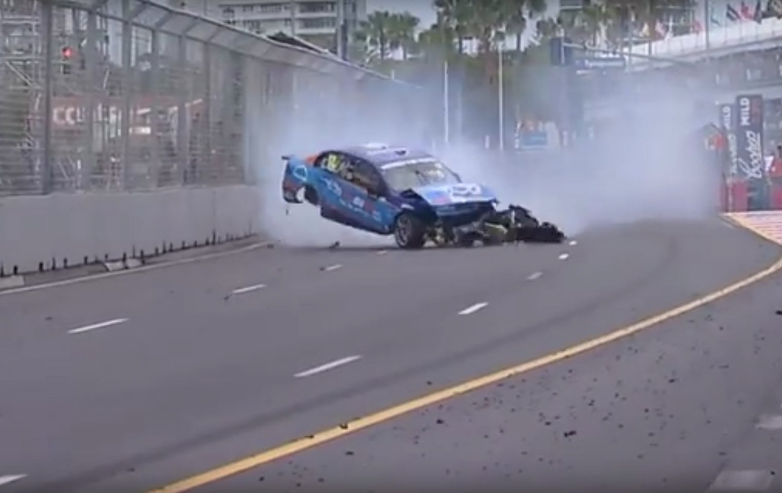 Garth Tander vs Fabian Coulthard Crash Video - Gold Coast 600 Crash