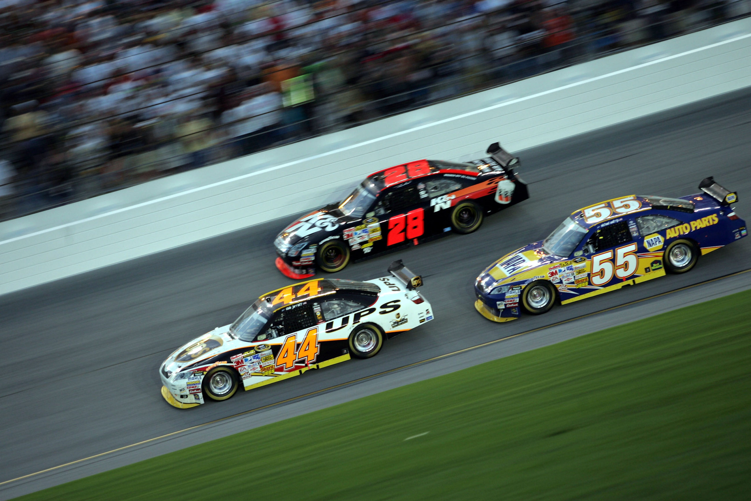 Former NASCAR driver Dale Jarrett Suffers from Memory Loss - Concussions?