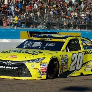 Kenseth Spins at Phoenix, Logano Goes on to Win