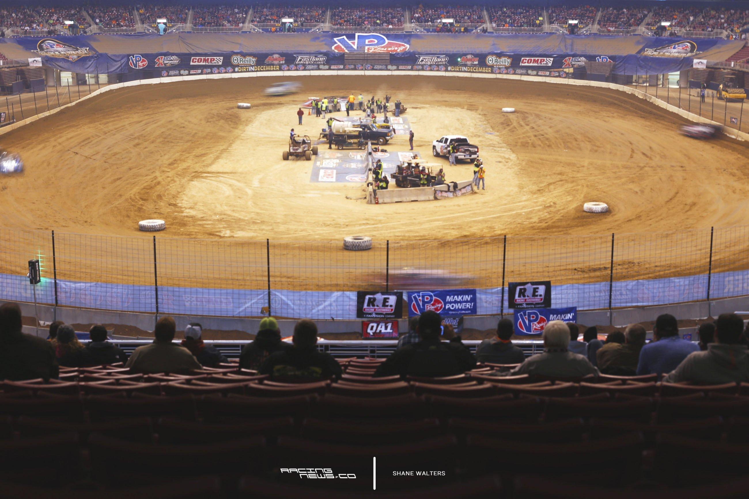 2016 Gateway Dirt Nationals Photos - Motion Blur Edward Jones Dome 8403