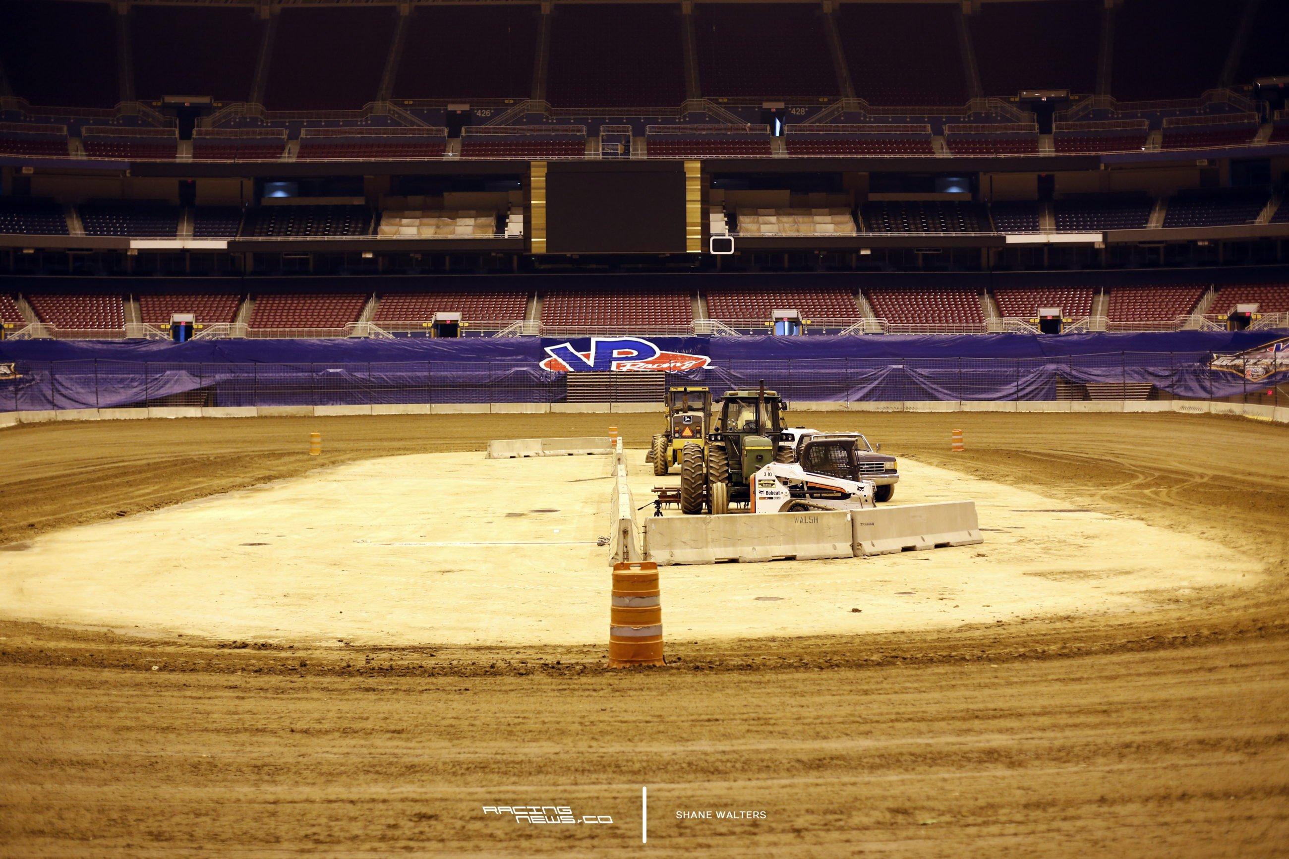 Gateway Dirt Nationals Photos - Edward Jones Dome Dirt Track 4793