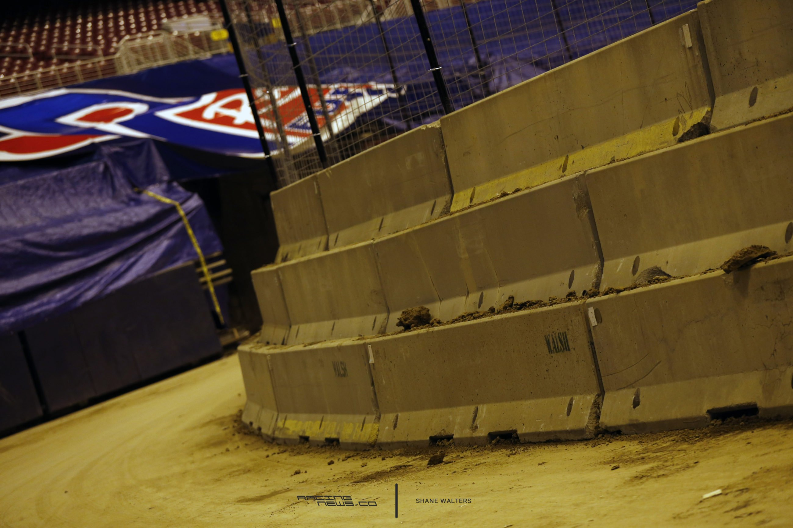 Gateway Dirt Nationals Track Banking 4738