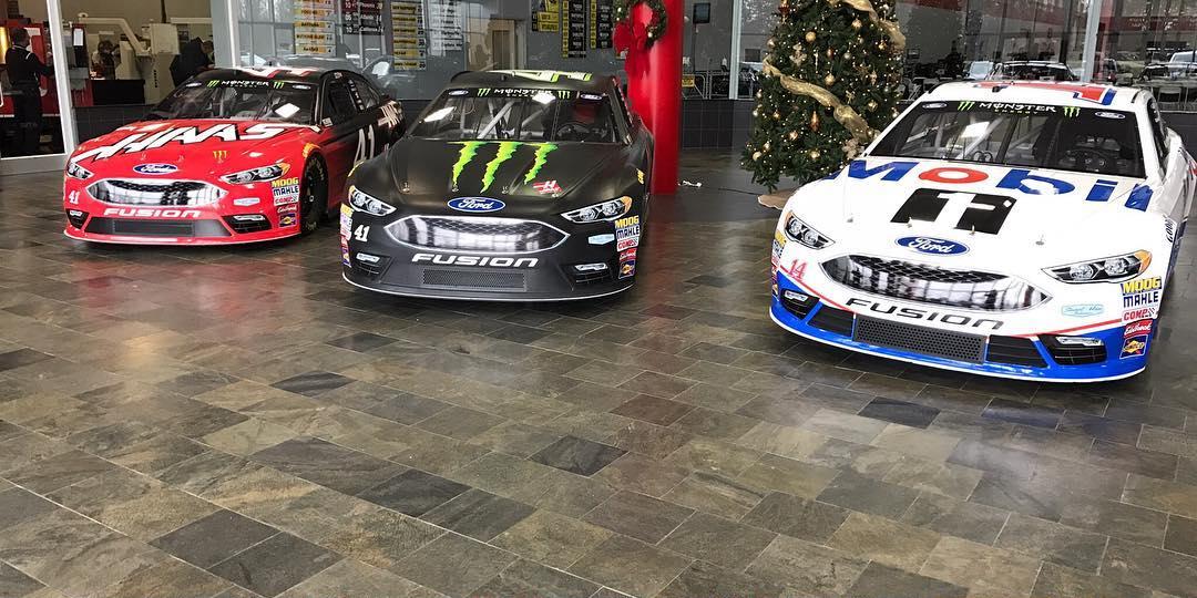 Stewart Haas Racing 2017 Ford Cars - NASCAR