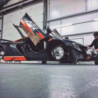 Strakka Racing 2017 McLaren GT Garage Photo