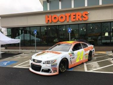 2017 Hooters NASCAR Chase Elliott