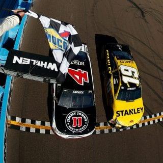 Closest Phoenix Raceway Finish Kevin Harvick Carl Edwards