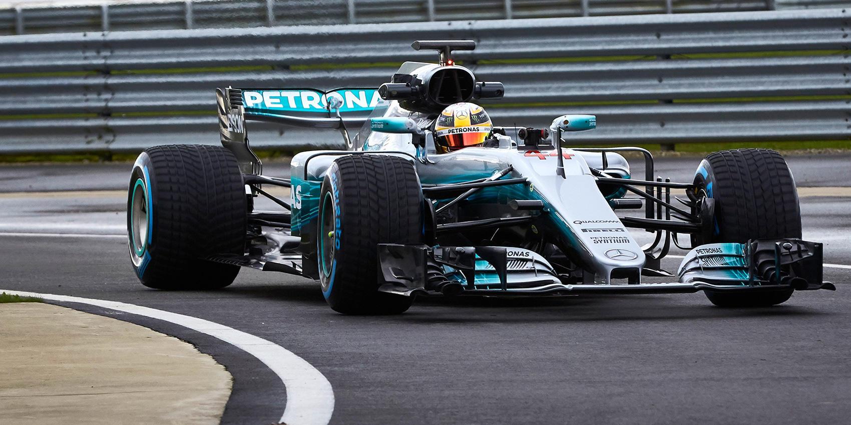 2017 Mercedes F1 Car On Track Photos - W08