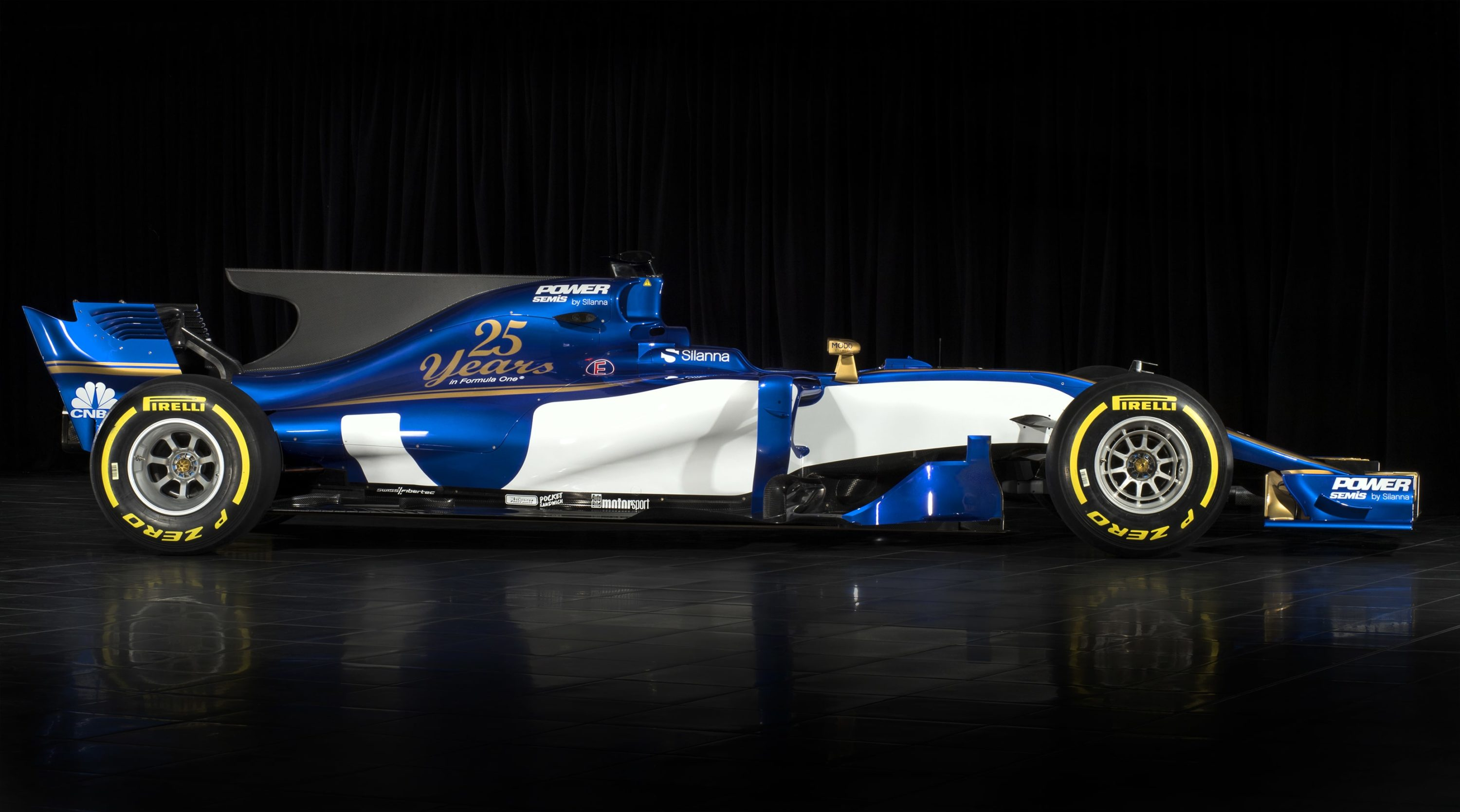 2017 Sauber F1 Car Released - Side of new f1 cars