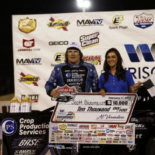Scott Bloomquist Victory Lane Girl 7708