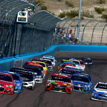 Final Restart Phoenix International Raceway