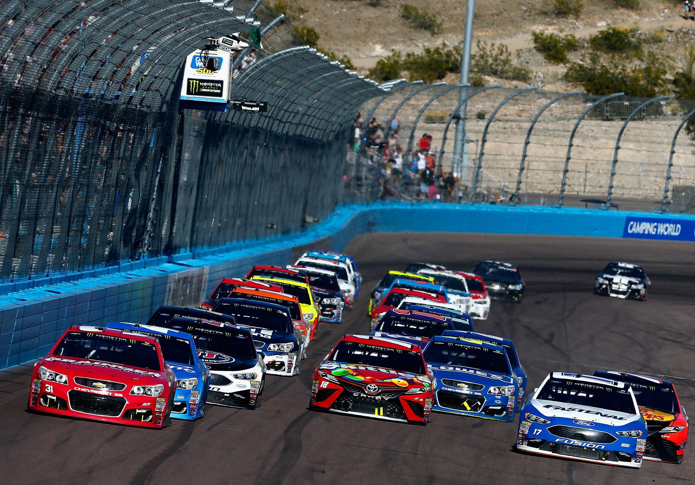 Final Restart Phoenix International Raceway