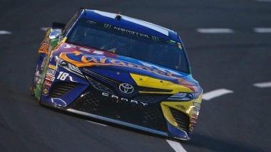 Kyle Busch wins NASCAR Allstar Race at Charlotte Motor Speedway