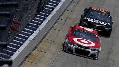 Kyle Larson and Martin Truex Jr race at Dover International Speedway