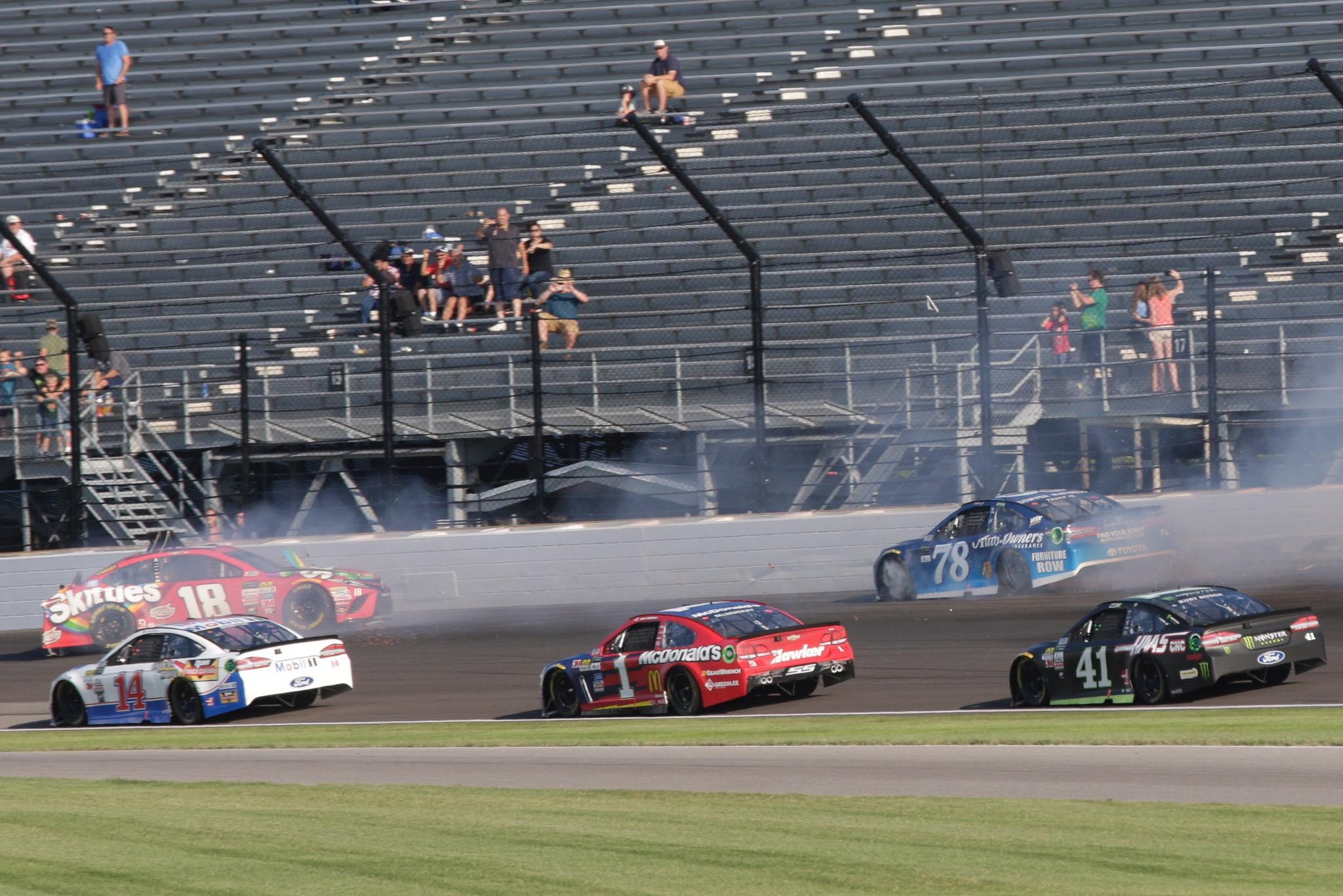 Kyle Busch vs Martin Truex Jr at Indianapolis Motor Speedway